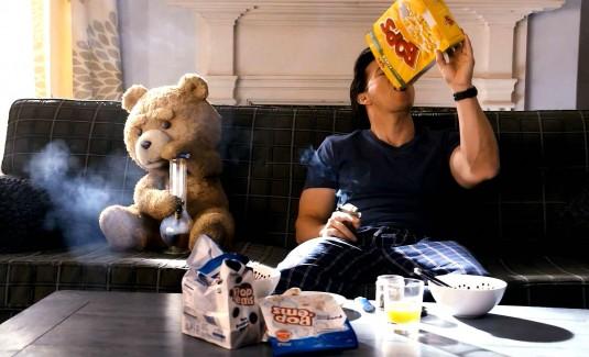 Crítica de 'Ted': dejarás de dormir con tu osito