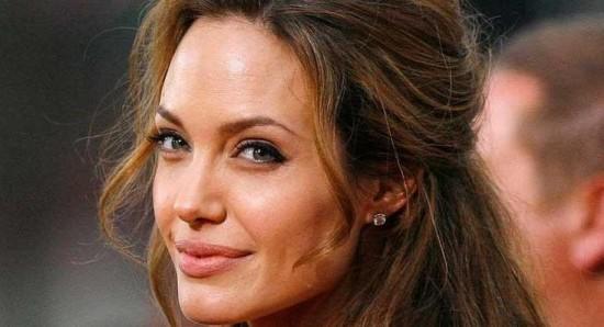 Angelina Jolie, a dirigir de nuevo