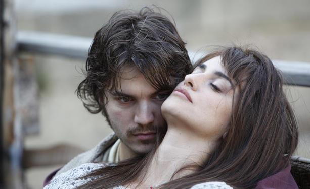 'Volver a nacer', trailer español del nuevo 'drama' de Penélope Cruz